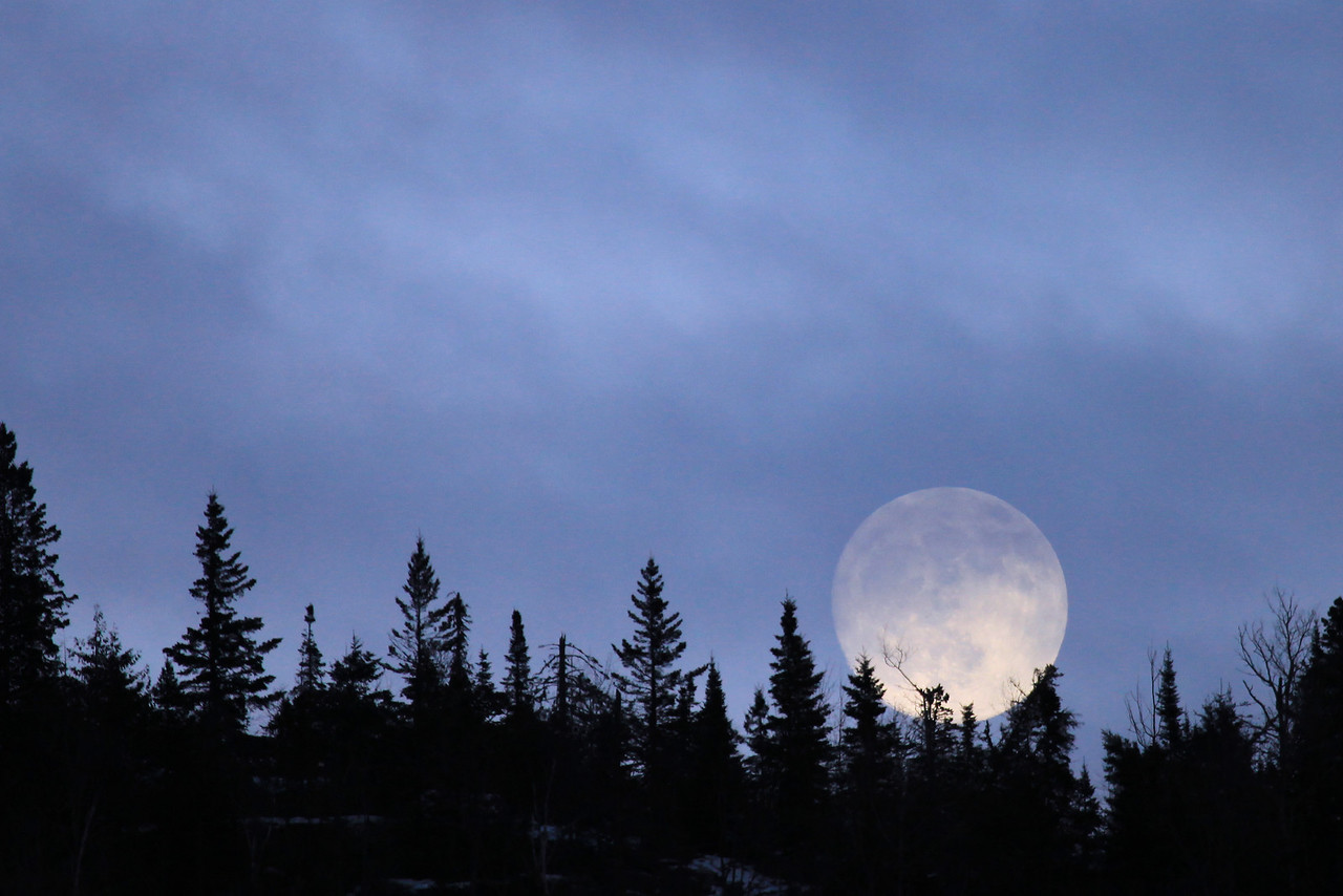 "MOONLIGHT 4498<br /> <br /> ""Mt. Josephine Moonrise - January 7, 2012"""