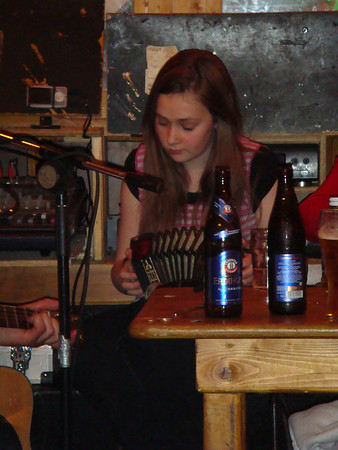 Doolin Session concertina player