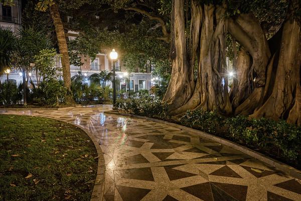 Bend of Plaza Miró