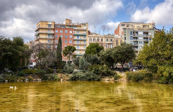 Gaudí Square Pond