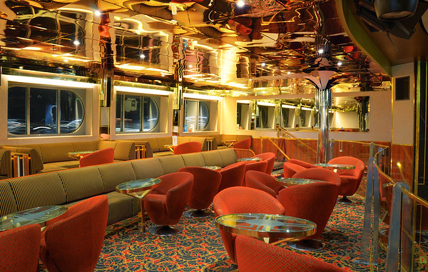 Show Lounge Starlight