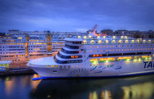 Victoria In Harbor II