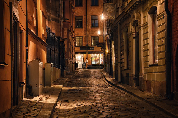 Monk's Alley Night