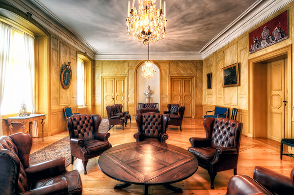 The King's Lounge II