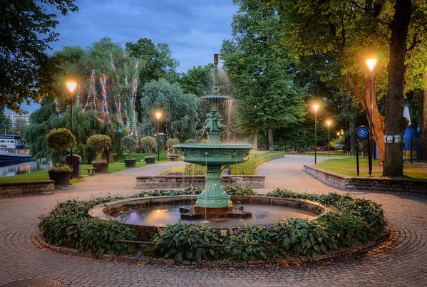 Garden Fountain Blues