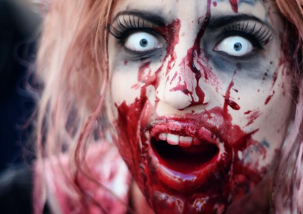 Zombie Panic Girl