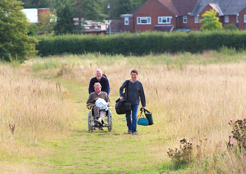 25th Aug 06:  More photters arrive at Worting Junction.  THis field is now a large housing estate !