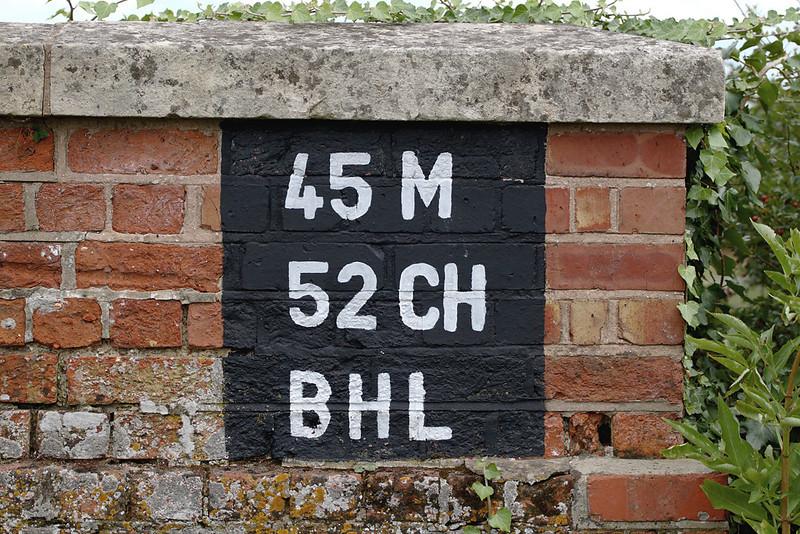 30th Jul 06:   Bridge identification in Frouds Lane at Woolhampton