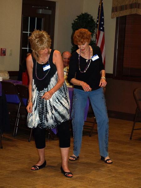 130 Gail & Marleen on the dance floor