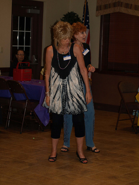 132 Gail & Marleen on the dance floor