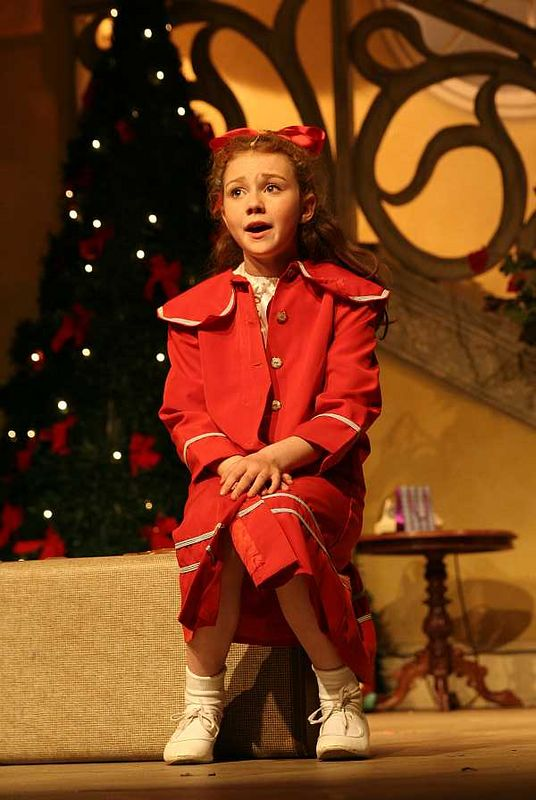 'Annie' dress rehearsal at Little Theatre, Southport on 13 May 2005