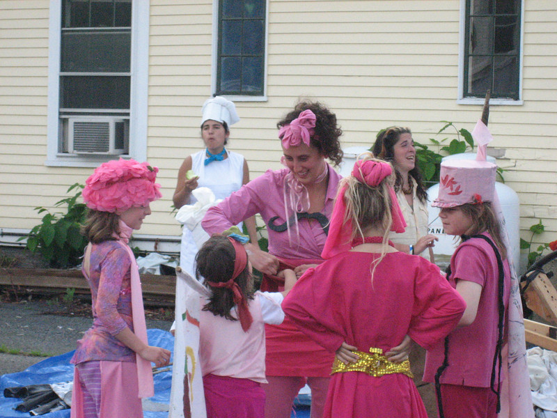"Team Pinky.  You need to see Pinky, look here:<br />  <a href=""http://flickr.com/photos/green_manburning_man/2725863124/in/photostream/"">http://flickr.com/photos/green_manburning_man/2725863124/in/photostream/</a>"
