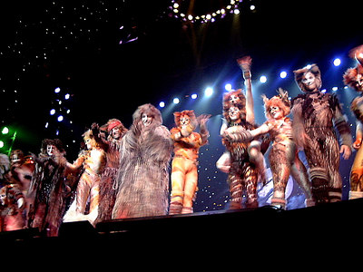 Pit view of the bows for 'Cats' national tour.