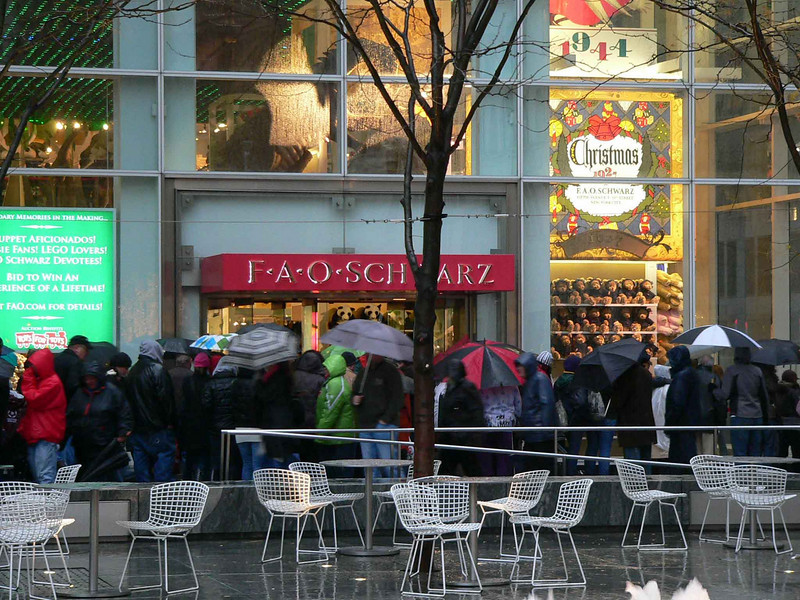Pre-Christmas line outside FAO Schwarz in NYC