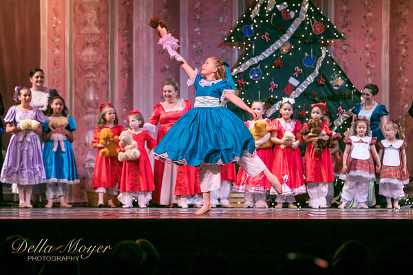 Nutcracker Act I 2017