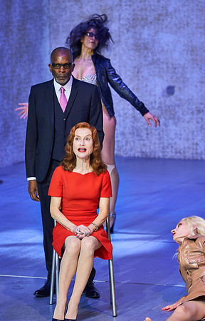 Odéon-Théâtre de l'Europe's production of Phaerda(s) with Isabelle Huppert