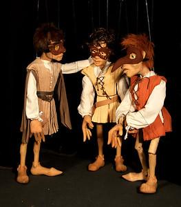 R&J 15_Benvolio, Romeo en Mercutio gaan naar het feest