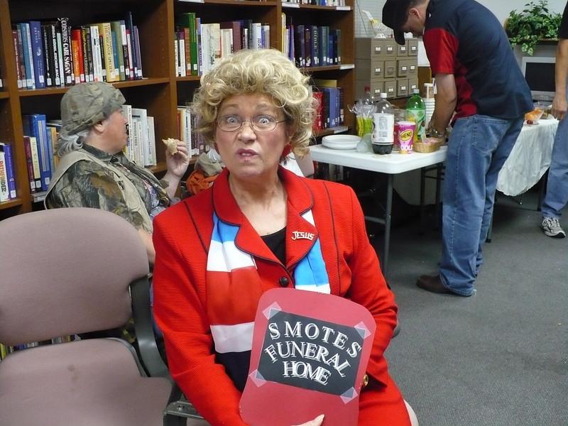 Mary Kay Hamilton as Winnie Mae