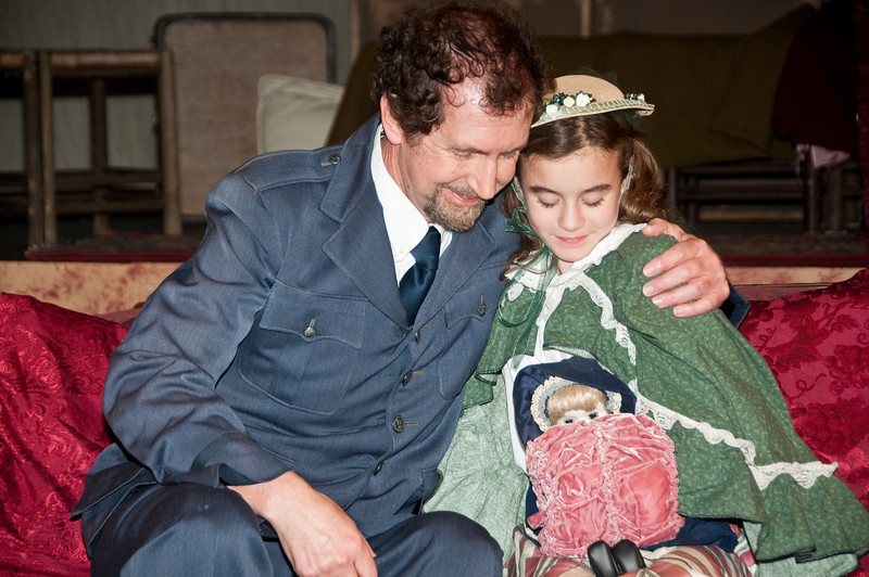 Capt. Crewe/Mr. Carrisford: Nick Sampson and Sara Crewe at age 10: Melissa Tucker