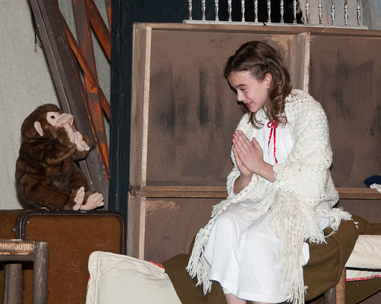 Sara Crewe at age 10: Melissa Tucker and the monkey