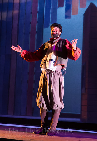 Fiddler on the Roof-17