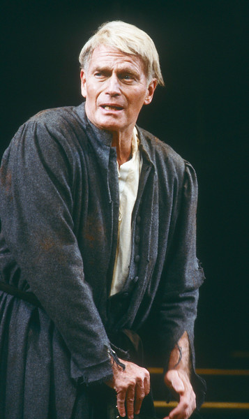 'A Man for All Seasons' Play performed at the Savoy Theatre, London, UK 1987 ©Alastair Muir A Man for All Seasons