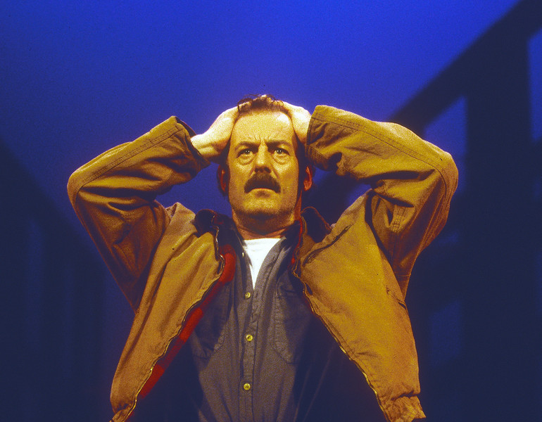 'A View From the Bridge' Play performed in the Strand Theatre, London, UK 1995 ©Alastair Muir A View from the Bridge 1