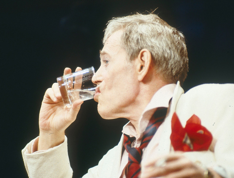'Jeffrey Bernard is Unwell' Play performed at the Apollo Theatre, London, UK 1989