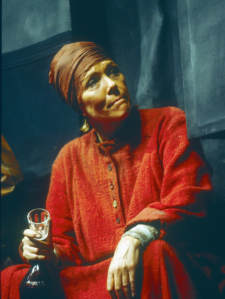 'Mother Courage' Play performed in the Olivier Theatre, National Theatre, London, UK 1995