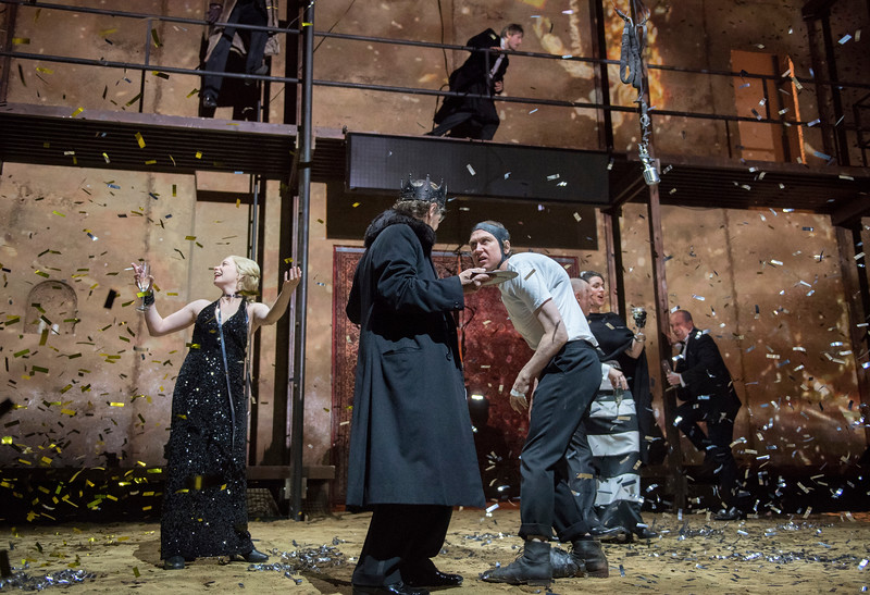 'Richard III' Play performed by Schaubuhne, Berlin Theatre Compant at the Barbican Theatre, London, UK