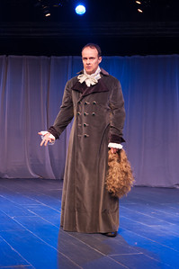 Oliver Wadsworth as Voltaire. Photo by Enrico Spada.