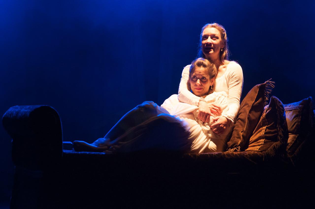 Kim Stauffer and Suzanne Ankrum. Photo by Enrico Spada.