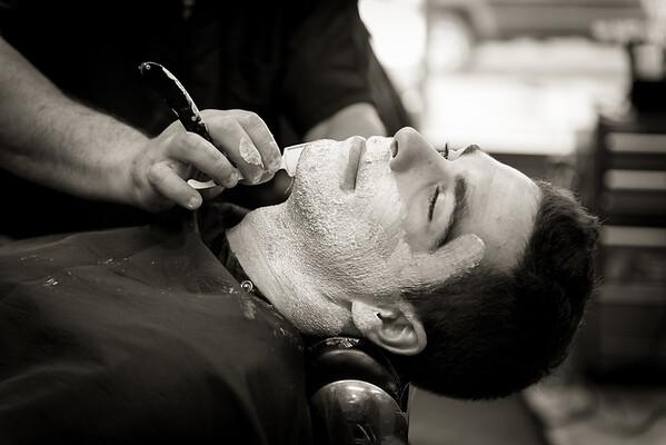 Barber Shop - BW-16