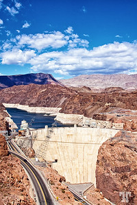 Alarming low level of water in Lake Mead and at Hoover Dam