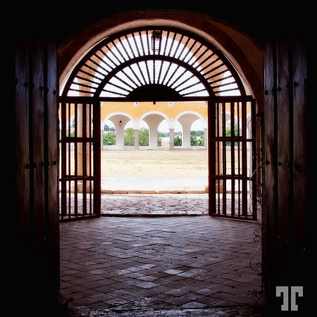 Gate of the Izamal convent - Yucatan, Mexico Architecture elements Izamal, Mexico - the yellow city