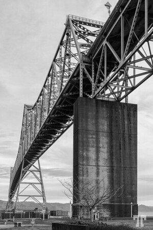 Astoria-bridge-Oregon-BW