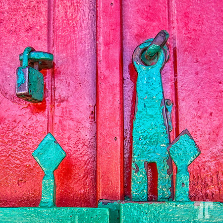 Color contrast Door lock