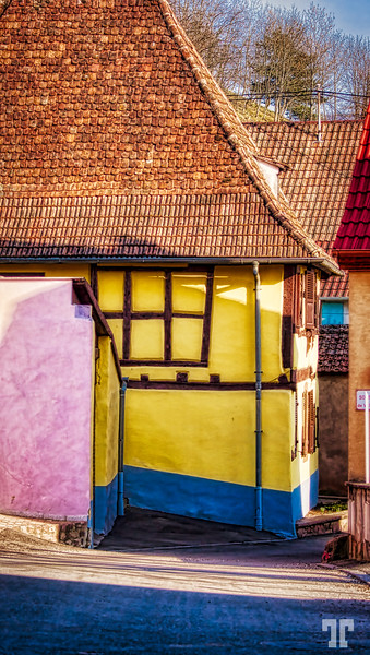 Yellow house in Alsace