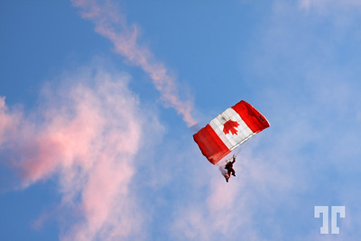 Sky Hawks demonstration on Labor Day weekend 2008, in La Baie Park, Gatineau, Quebec, Canada.