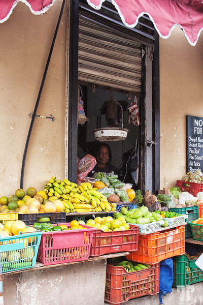 belize-city-fruit-stand