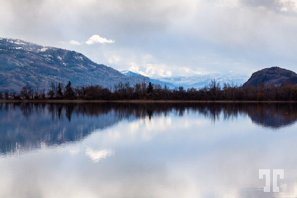 Penticton-mountains-lake-reflections
