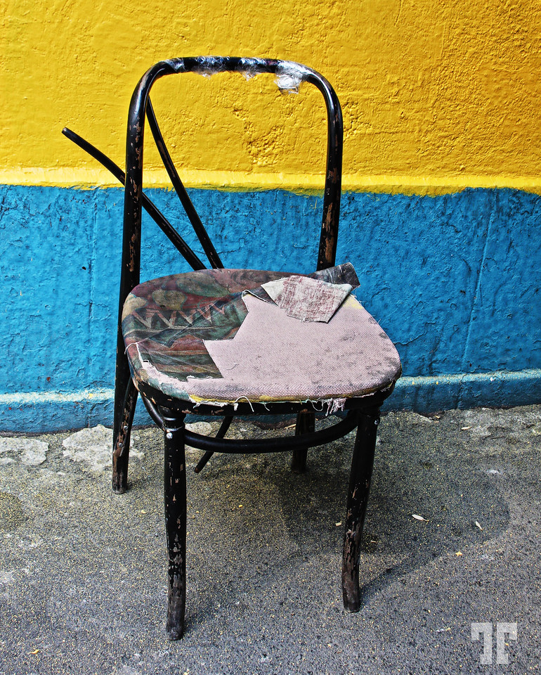 broken-chair-X2.jpg