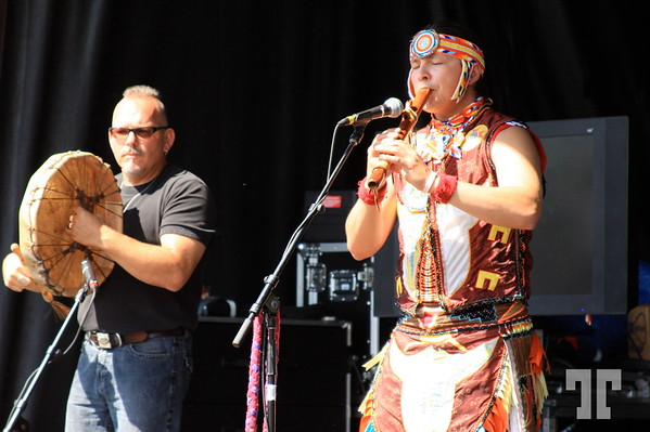 Flute player at the aboriginal festival In Ottawa (aa)