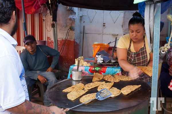 quesadillas-Acatlan-market-mexico-2