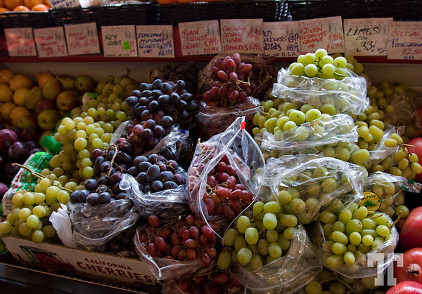 Food and Drink: Grapes at the grocery