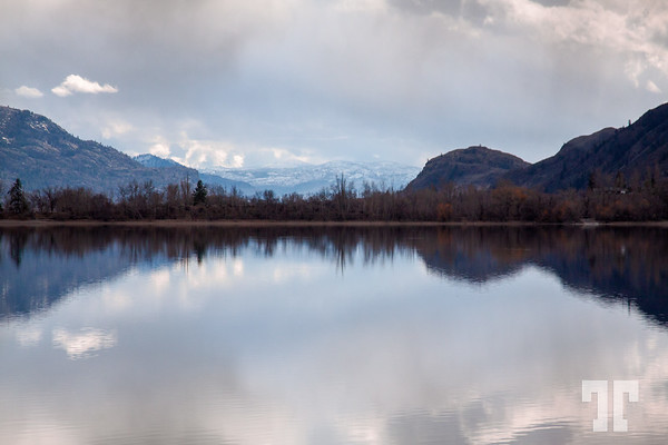 Penticton-mountains-lake-reflections-2