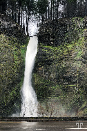 Waterfall-Mlthnoma-county-Columbia-river-gorge-scenic-area