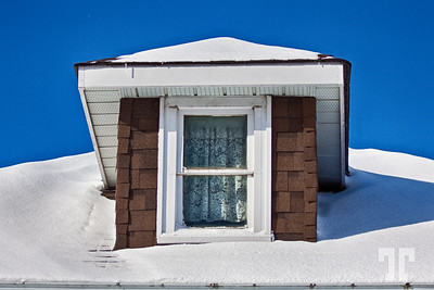 Window gable in the snow