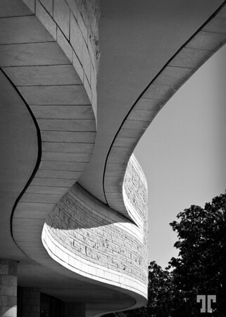S curves black & wite  Detail of the Canadian Museum of Civilization. Musée canadien des civilisations. Gatineau, Canada
