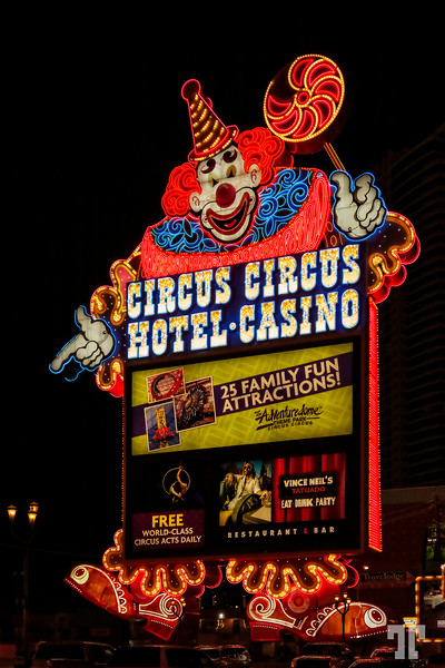 Circus-Circus-clown-sign-strip